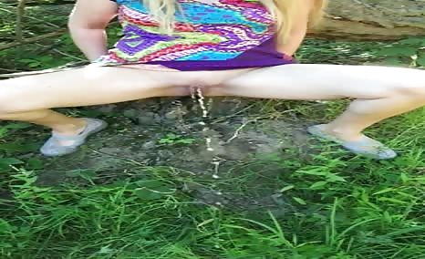 Swedish girl peeing outdoor