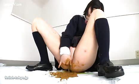 Japanese schoolgirl masturbating