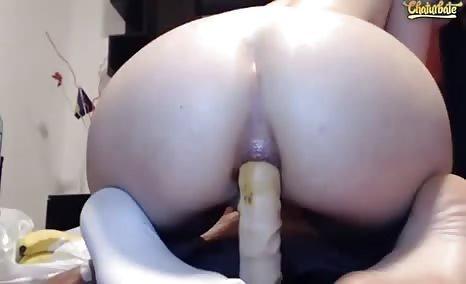 Riding a dildo while shitting
