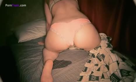 College babe playing with her dirty butthole