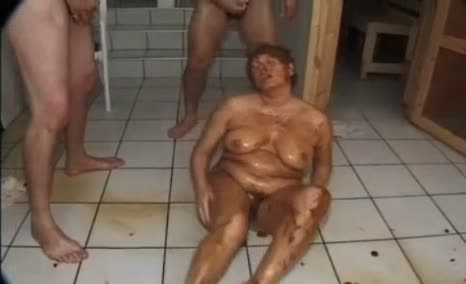 BBW babe gets covered in fresh shit