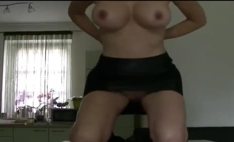 Russian milf pooping