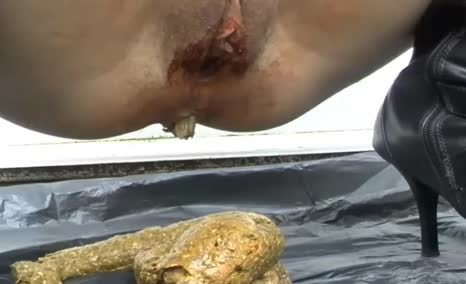 Big turd from a sexy ass